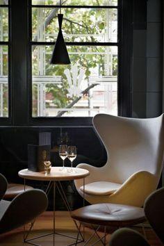 Icône du Vintage #2: Le fauteuil Œuf – Arne Jacobsen / The Egg chair | L'Atelier Rétro