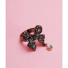 Sparkly Black Bow RIng. Betsey Johnson Jewelry