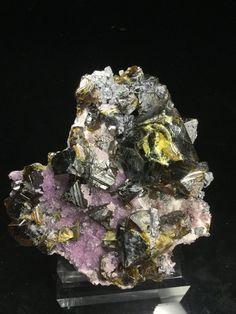 // sphalerite, quartz v. amethyst