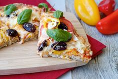 Guilt Free Chicken Crust Pizza Recipe http://www.surfandsunshine.com/guilt-free-chicken-crust-pizza-recipe/?utm_campaign=coschedule&utm_source=pinterest&utm_medium=Surf%20and%20Sunshine&utm_content=Guilt%20Free%20Chicken%20Crust%20Pizza%20Recipe