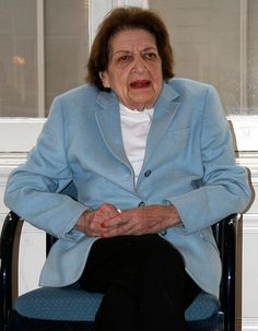 Helen Thomas, journalist, former member of the White House Press Corps (born in Winchester, Kentucky; moved to Detroit)