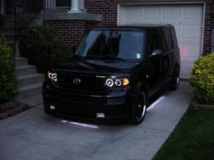 All black Scion XB 2006... DIGG!!!