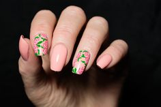 Flower nail art pink