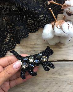 223 отметок «Нравится», 10 комментариев — Украшения ручной работы (@alina_zlobina_) в Instagram: «А вы котиков любите? Я очень Брошь сделана на заказ #handmadeaccessory #handmade #crimeaphoto…»