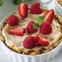 Småkakor med bär och vanilj-apelsinkräm. Perfekt att bjuda på - jättefin och jättegod! Pie, Wellness, Sweet Stuff, Health, Recipes, Cakes, Food, Torte, Cake