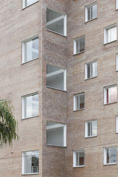 bboa – balparda brunel oficina de arquitectura - granadero baigorria © Javier Agustín Rojas Square Windows, Facade Architecture, Construction, Brick, Exterior, Contemporary, Building, Conception, House