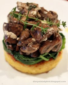 Diary of a Ladybird: Polenta rounds with wilted spinach and roast mushrooms Easy to veganize. Side Dish Recipes, Vegetable Recipes, Vegetarian Recipes, Cooking Recipes, Healthy Recipes, Roasted Mushrooms, Spinach Stuffed Mushrooms, Appetizer Salads, Appetizer Recipes