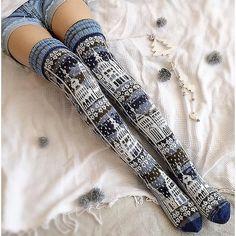 Crochet Socks, Knit Or Crochet, Knitting Socks, Clothing Patterns, Knitting Patterns, Timberland Style, Timberland Fashion, Hunter Boots Outfit, Cute Stockings