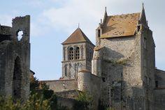 Château d'Harcourt  und Stftskirche Saint Pierre in Chauvigny