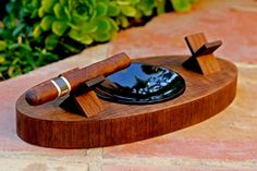 "The ""Deck"" Ashtray Oval (Double) – Curly Walnut"