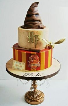 A die-hard Harry Potter loyalist? If yes, then you definitely deserve to get one of these awesome Harry Potter Theme cake designs for your next birthday. For sticking till Harry with the very end, … Harry Potter Torte, Harry Potter Birthday Cake, Harry Potter Theme Cake, Harry Potter Cake Decorations, Harry Potter Balloons, Harry Potter Hat, Harry Potter Wedding Cakes, Harry Potter Cupcakes, Harry Potter Sorting Hat