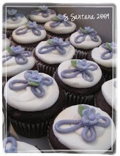 """Nice and simple idea.  I will use a """"star"""" filler  and put the cross more on the side of the cupcake. But I like the inspiration :) Sweet Creations by Stephanie: Baptism Cupcakes"""