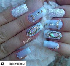 How to easily remove a glitter nail polish - My Nails Rhinestone Nails, Bling Nails, My Nails, Acrylic Nail Designs, Nail Art Designs, Acrylic Nails, Nails Design, Birthday Nail Designs, Birthday Nails