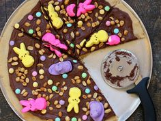 What better springtime dessert than Easter Peep-Za! (From Devour The Blog)