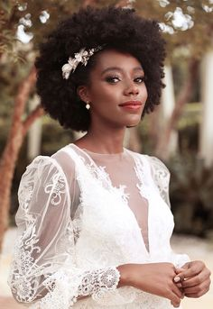 Afro Wedding Hairstyles, Afro Hairstyles, Black Brides Hairstyles, Wedding Hair And Makeup, Bridal Makeup, Black Hair Wedding Styles, Natural Hair Wedding, Natural Hair Brides, Bridal Hair Inspiration