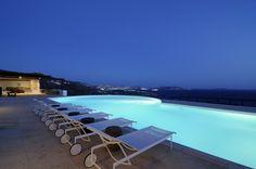 Mykonos Mykonos, Outdoor Furniture, Outdoor Decor, Sun Lounger, My Dream, Greece, Villas, Pools, Home Decor