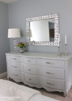 Love these colors with the silver detailed mirror above | Home ...