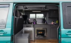 Are you looking for a campervan conversion but would like the glamping experience? Take a look at our glamping campervan conversions & see if its for you. Motorhome Interior, Campervan Interior, Bus Interior, Campervan Ideas, Interior Ideas, Sleeper Van, Camper Van Conversion Diy, Sprinter Conversion, Cool Campers