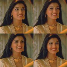 Sonali Bendre in Sarfarosh Sonali Bendre Hot, Saree Look, Actress Pics, Madhuri Dixit, Shahrukh Khan, Indian Sarees, Bollywood Actress, Indian Actresses, Indian Fashion