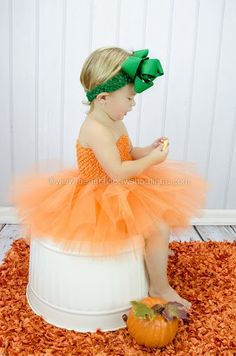 Straight out of the pages of a fairytale, your lil' pumpkin is sure to sparkle in this orange pumpkin tutu dress from Beautiful Bows Boutique. Baby Pumpkin Costume, Pumpkin Tutu, Baby In Pumpkin, Large Hair Bows, Baby Hair Bows, Bow Headbands, Baby Tutu Dresses, Baby Dress, Baby Skirt