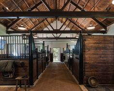 Traditional Horse Barn Design, Pictures, Remodel, Decor and Ideas - page 2
