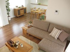 co ordinated the colors of furniture & floor looks natural and makes us reluxed