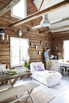 An old cottage was renoveted into a beautiful villa. Cabin Homes, Cottage Homes, Log Homes, Log Home Interiors, Cottage Interiors, Old Cottage, Cottage Living, Living Room, Modern Log Cabins
