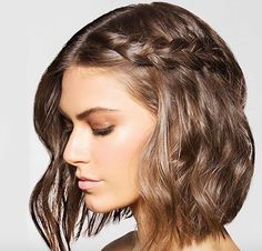 Pettinature mosse capelli medi