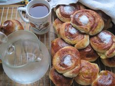homemade buns, iced tea and water from the well