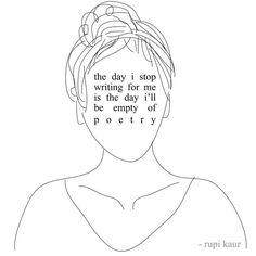 Rupi Kaur è una poetessa di origini indiane e con le sue poesie ci fa vivere un viaggio per imparare ad essere donne in un mondo a misura di uomo.