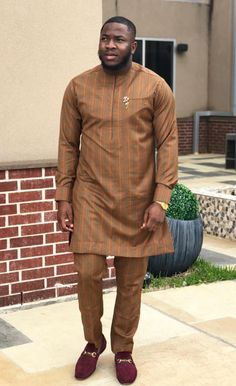In this post, you'd get to see some of the hottest and coolest senator suit styles as sported by West African men in See them here African Wear Styles For Men, African Shirts For Men, African Dresses Men, Ankara Styles For Men, African Attire For Men, African Clothing For Men, African Men Style, African Women, Nigerian Men Fashion