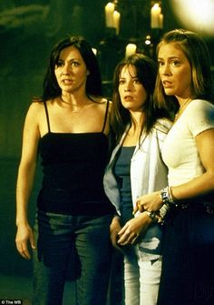 Charmed 2013 Update Photo Gallery – Alyssa Milano, Holly Marie Combs, Shannen Doherty, Rose McGowan and Kaley Cuoco Holly Marie Combs, Serie Charmed, Charmed Tv Show, Rose Mcgowan, A Discovery Of Witches, Kaley Cuoco, Coven, Shannen Doherty Charmed, Apocalypse