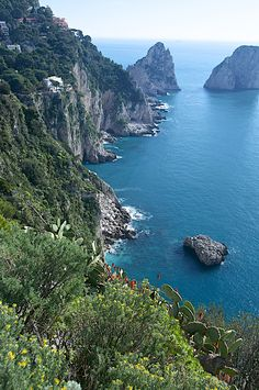 Isle of Capri - Looking down from Anna Capri Beautiful Islands, Beautiful World, Beautiful Places, Beautiful People, Isle Of Capri Italy, Southern Italy, Water Photography, Great Memories, Amalfi Coast