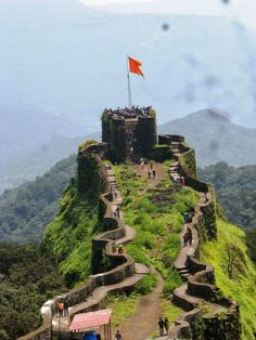 Pratapgad fort from Mahabaleshwar Tourist Places, Vacation Places, Beautiful Places To Visit, Cool Places To Visit, Nature Pictures, Travel Pictures, Northeast India, Rural India, Amazing India