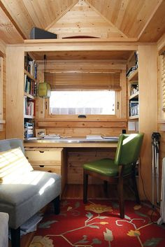 Small-House movement: living in 120 square feet - sfgate small house decorating, Tiny House Company, Tiny House Plans, Tiny House Living, Small Living, Living Area, Tiny Home Office, Small Bathtub, Small House Decorating, Tiny House Bathroom