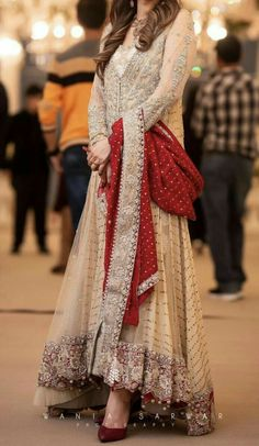 For Price & Queries Please DM us or you can Message/WhatsApp 📲 We provide Worldwide shipping🌍 ✅Inbox to place order📩 ✅stitching available🧣👗🧥 &shipping worldwide. 📦Dm to place order 📥📩stitching available SHIPPING WORLDWIDE 📦🌏🛫👗💃🏻😍 . Pakistani Fashion Party Wear, Pakistani Wedding Outfits, Pakistani Wedding Dresses, Bridal Outfits, Wedding Hijab, Pakistani Gowns, Pakistani Dresses Online, Simple Pakistani Dresses, Pakistani Dress Design
