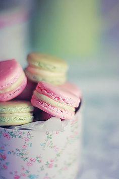 Vanilla macarons by Call me cupcake, via Flickr