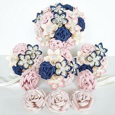 Paper Flowers Wedding, Bride Flowers, Flower Bouquet Wedding, Wedding Paper, First Anniversary Paper, Flower Girl Wand, Alternative Bouquet, Paper Bouquet, Blue Roses