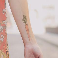 vegan tattoo, carrots and tattoos. Henna Tattoos, 1000 Tattoos, Fake Tattoos, Pretty Tattoos, Beautiful Tattoos, Body Art Tattoos, Cool Tattoos, Tatoos, Tattly Tattoos