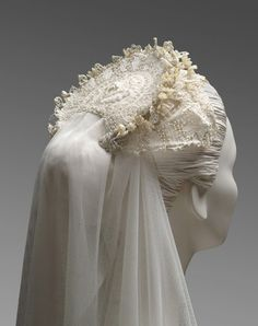 Grace Kelly's Wedding Headpiece