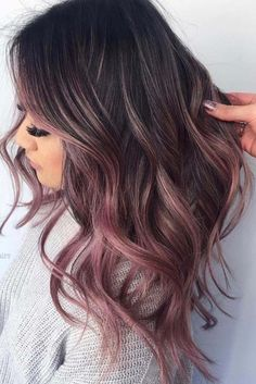 Dec 2018 - See here the surprising shades and highlights of rose gold hair colors for women to make their hair looks like more amazing and cute. Apply this beautiful looking rose gold hair color if you really want to get obsessed hair styles right now. Brown Ombre Hair, Brown Hair With Highlights, Hair Color Highlights, Blonde Ombre, Burgundy Hair, Rose Gold Brown Hair, Pink Ombre Hair, Rose Gold Ombre, Colored Hair Streaks