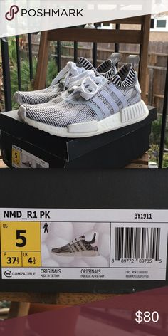 1563d32cf Women s Adidas NMD R2 Primeknit- Size 5 Come with box