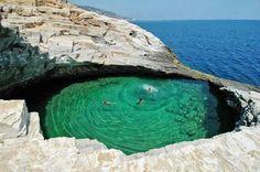 Natural Pool, Thasos Island, Greece. pic.twitter.com/TdNDTMHPwW
