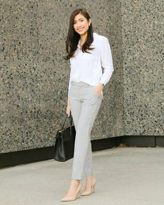 A white button down will never go out of style Kim mcmaster. Office Attire Women, Work Attire, Office Outfits, Casual Outfits, Fashion Outfits, Work Outfits, Look Office, Office Style, Business Casual Dresses
