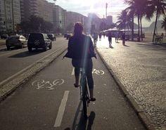 """A mais recente contagem de bicicletas realizada pela ONG Transporte Ativo, em Copacabana, divulgada no mês passado, aponta um aumento de 7,5% no número de ciclistas que circulam pelo bairro. O número de ciclistas mulheres foi o que mais aumentou, em comparação ao levantamento anterior, feito há três anos:134%. Para o presidente da Transporte Ativo,...<br /><a class=""""more-link"""" href=""""https://catracalivre.com.br/rio/urbanidade/indicacao/numero-de-ciclistas-aumenta-em-copacabana/"""">Continue…"""