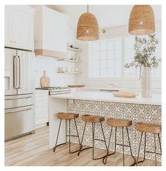 Kitchen Island Decor, Boho Kitchen, Home Decor Kitchen, Kitchen Interior, New Kitchen, Home Kitchens, Kitchen Dining, Kitchen Islands, Small Kitchens