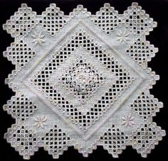 Hardangersøm, or, Hardanger embroidery Hardanger Embroidery, Learn Embroidery, Cross Stitch Embroidery, Embroidery Patterns, Hand Embroidery, Bookmark Craft, Swedish Weaving, Drawn Thread, Brazilian Embroidery