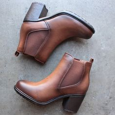 two tone tan chelsea boots