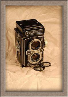 The 1954 Rolleiflex MX-EVS.