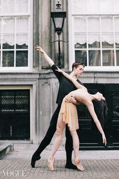 28 Ideas Contemporary Dancing Poses Partners For 2019 Art Ballet, Ballet Dancers, Dance Photography Poses, Dance Poses, Shall We Dance, Just Dance, Dance Aesthetic, Ballet Couple, Pranayama
